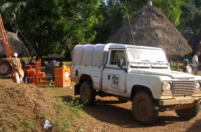 Sierra-Leone-2010-(320)-Rig-and-Landrover-in-Dedeghan