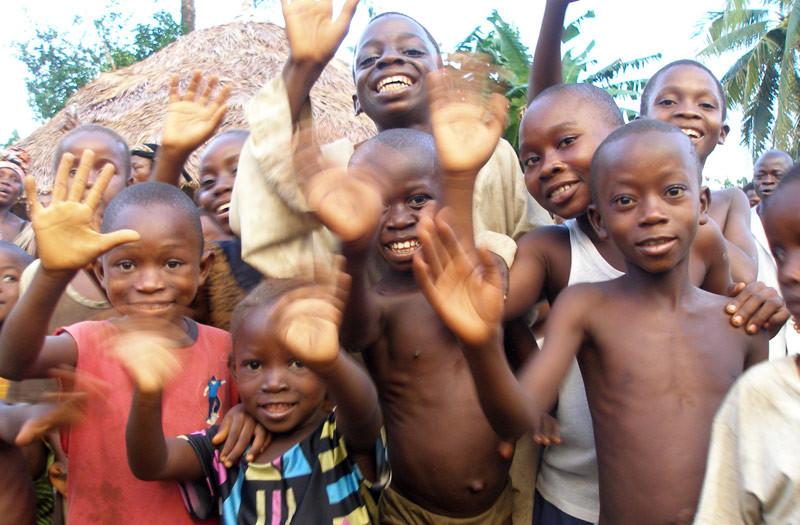 Sierra-Leone-2010-(67)-Welcome-in-Gbongay
