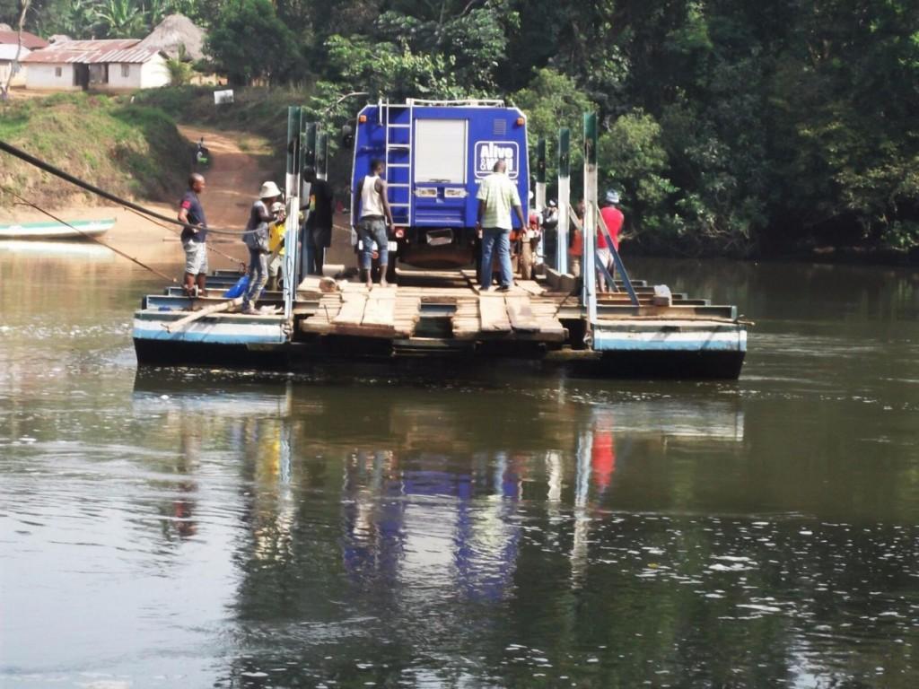 Moa river ferry (to Dia School)